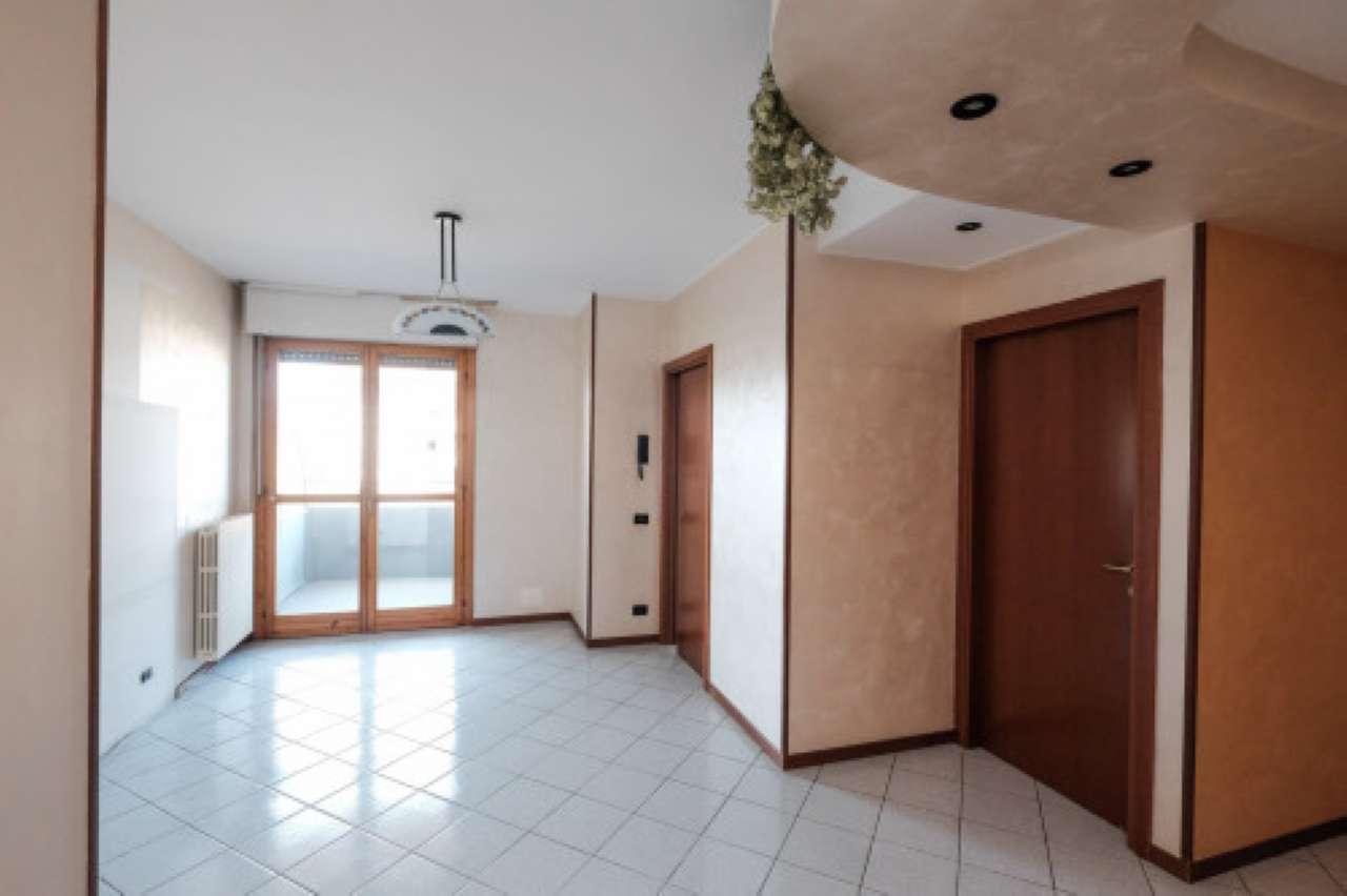 Appartamento in vendita a Seriate, 3 locali, prezzo € 139.000 | CambioCasa.it