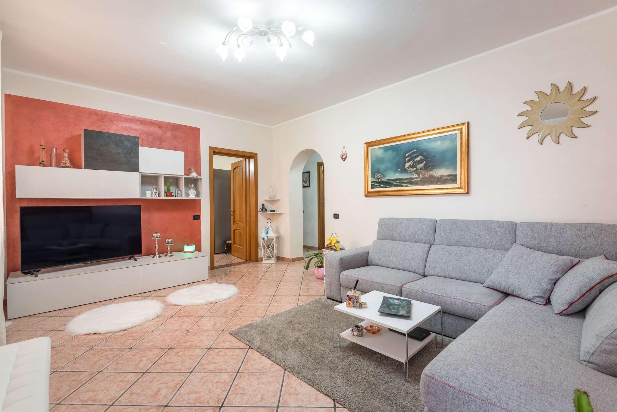 Appartamento in vendita a Boltiere, 4 locali, prezzo € 139.000 | PortaleAgenzieImmobiliari.it