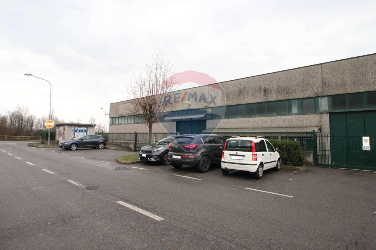 Capannone in affitto a Calusco d'Adda, 1 locali, prezzo € 2.800 | PortaleAgenzieImmobiliari.it