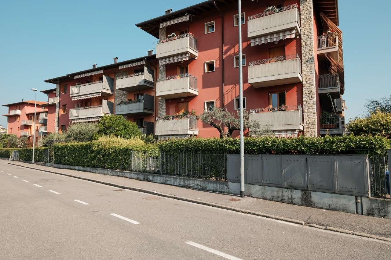 Appartamento in vendita a Seriate, 3 locali, prezzo € 149.000 | CambioCasa.it