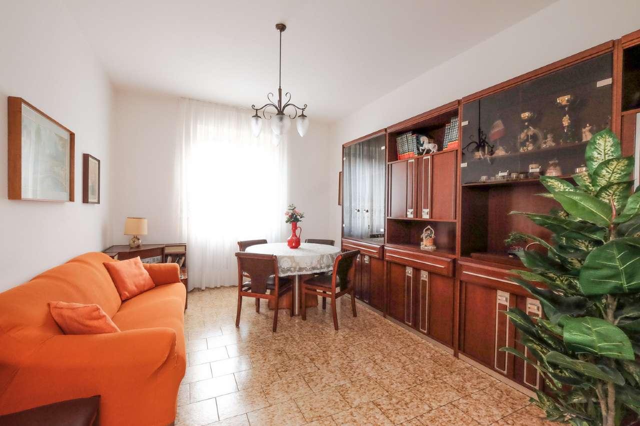 Appartamento in vendita a Bonate Sopra, 3 locali, prezzo € 69.000   CambioCasa.it