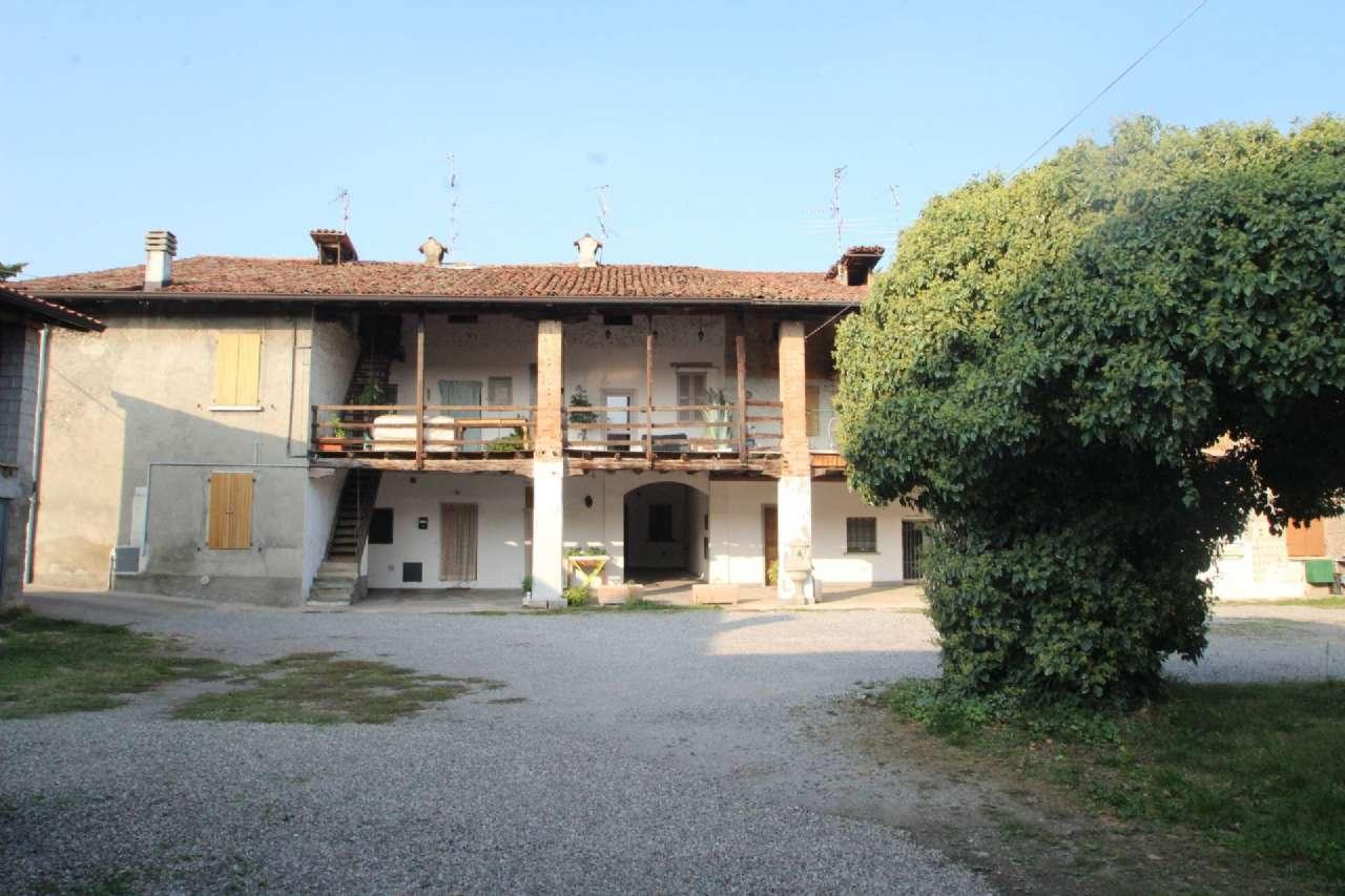 Appartamento in vendita a Bonate Sopra, 3 locali, prezzo € 63.000   CambioCasa.it