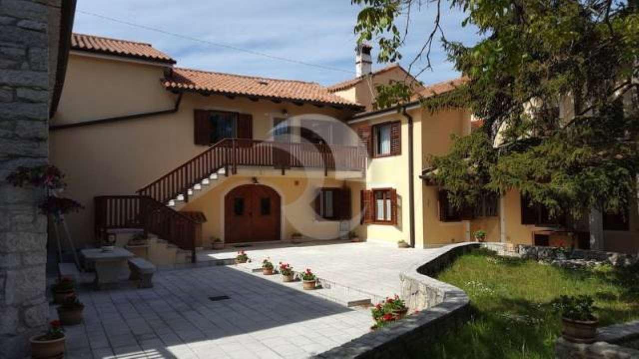 Villa in vendita a Sgonico, 6 locali, prezzo € 648.000 | CambioCasa.it