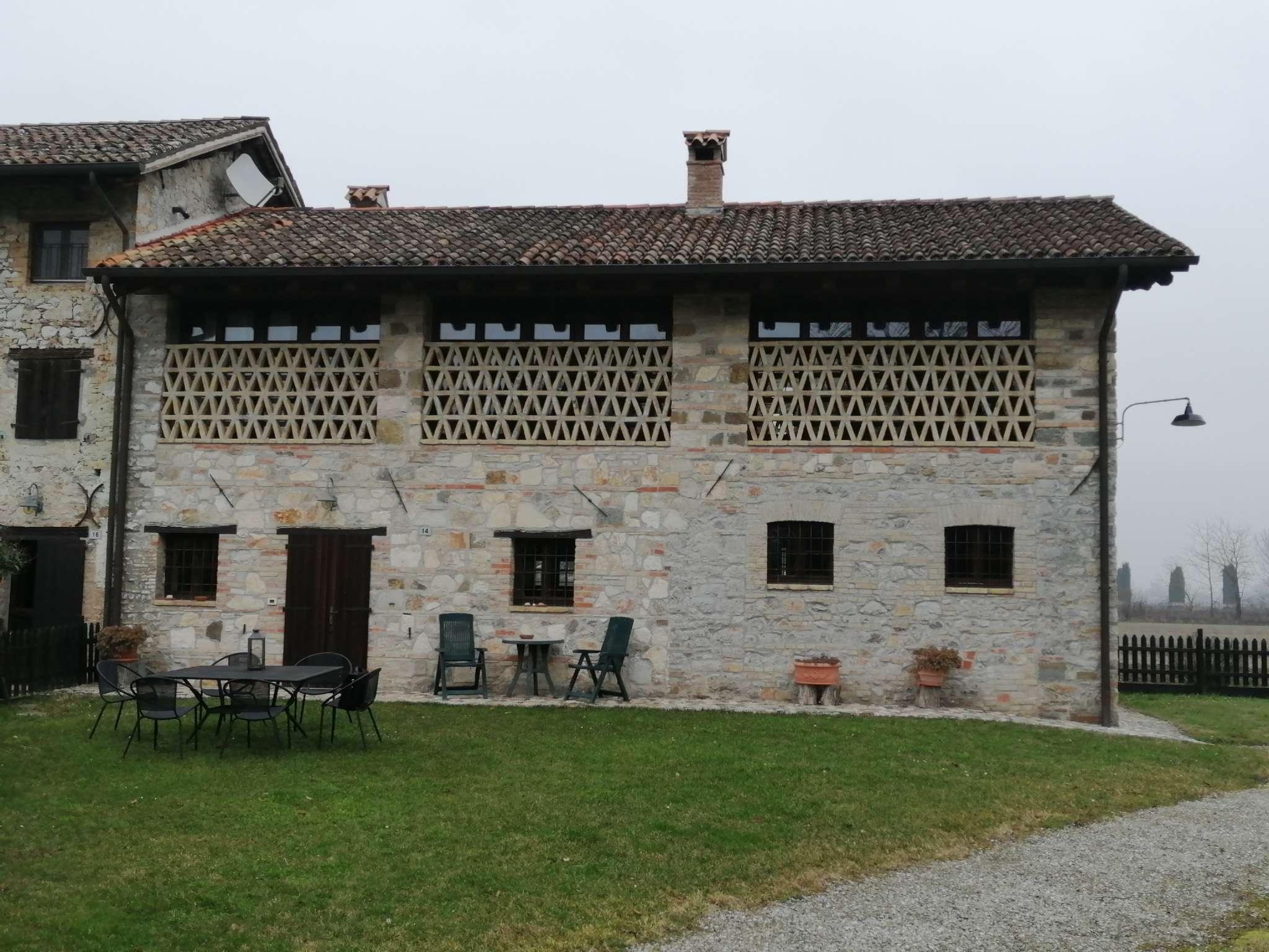 Rustico / Casale in vendita a Cervignano del Friuli, 4 locali, prezzo € 450.000   CambioCasa.it