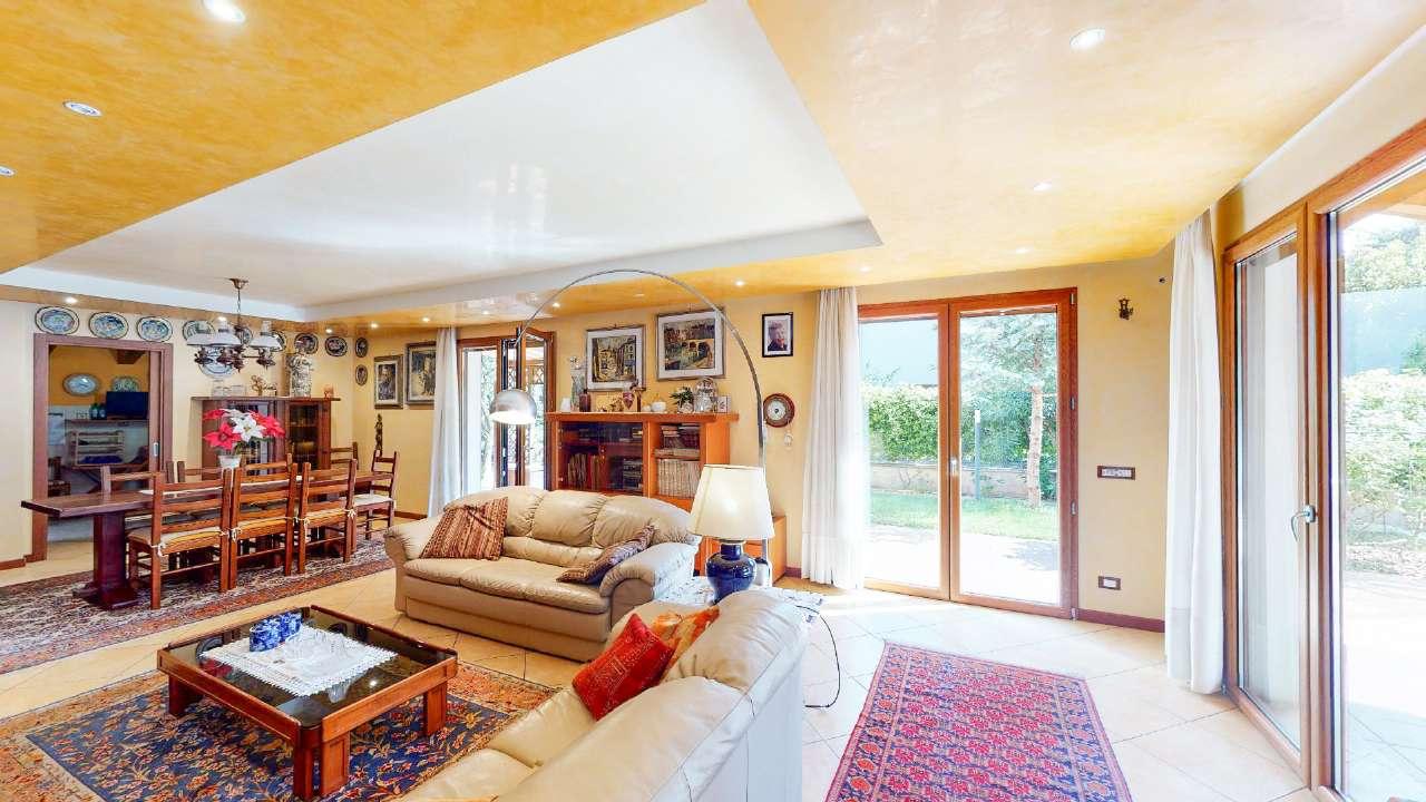 Villa in vendita a Duino-Aurisina, 5 locali, prezzo € 548.000   CambioCasa.it