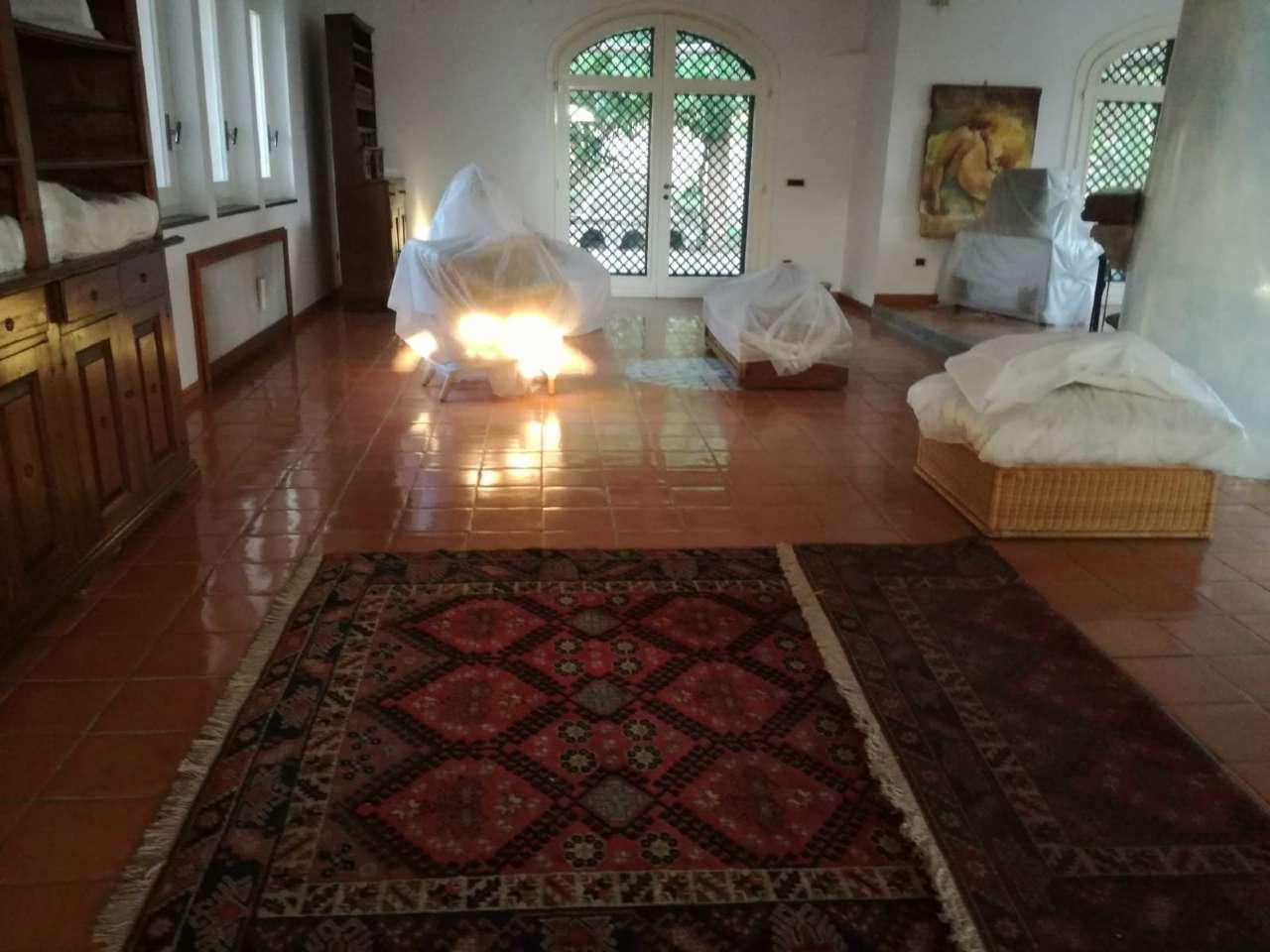 Soluzione Indipendente in vendita a San Giuseppe Vesuviano, 10 locali, Trattative riservate | CambioCasa.it