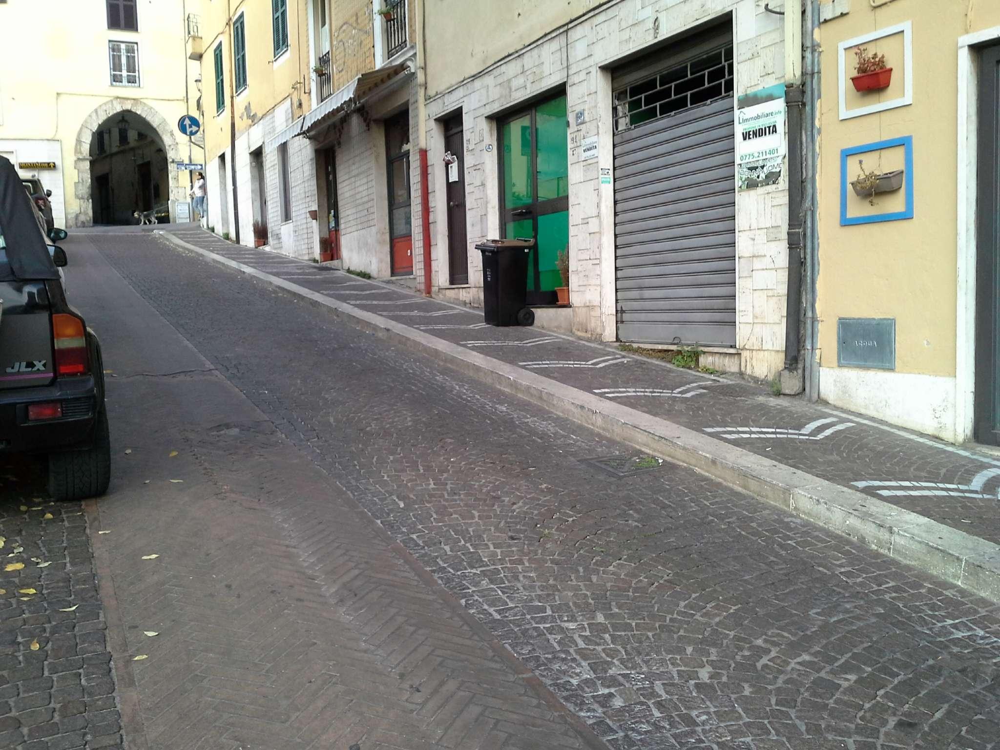 Negozio / Locale in vendita a Frosinone, 9999 locali, prezzo € 20.000 | CambioCasa.it