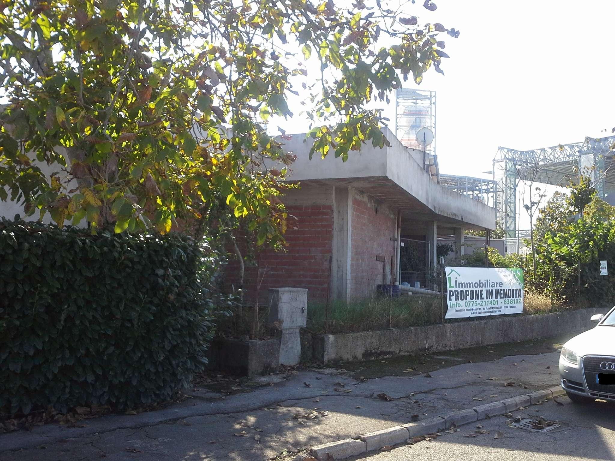 Immobile Commerciale in vendita a Frosinone, 9999 locali, prezzo € 160.000 | CambioCasa.it