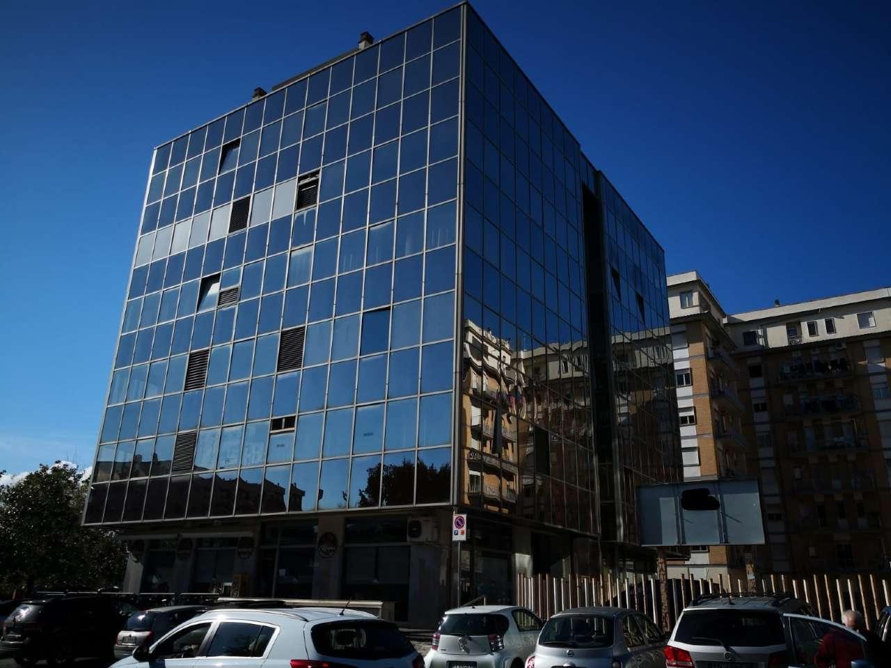 Ufficio / Studio in vendita a Frosinone, 3 locali, prezzo € 180.000 | CambioCasa.it