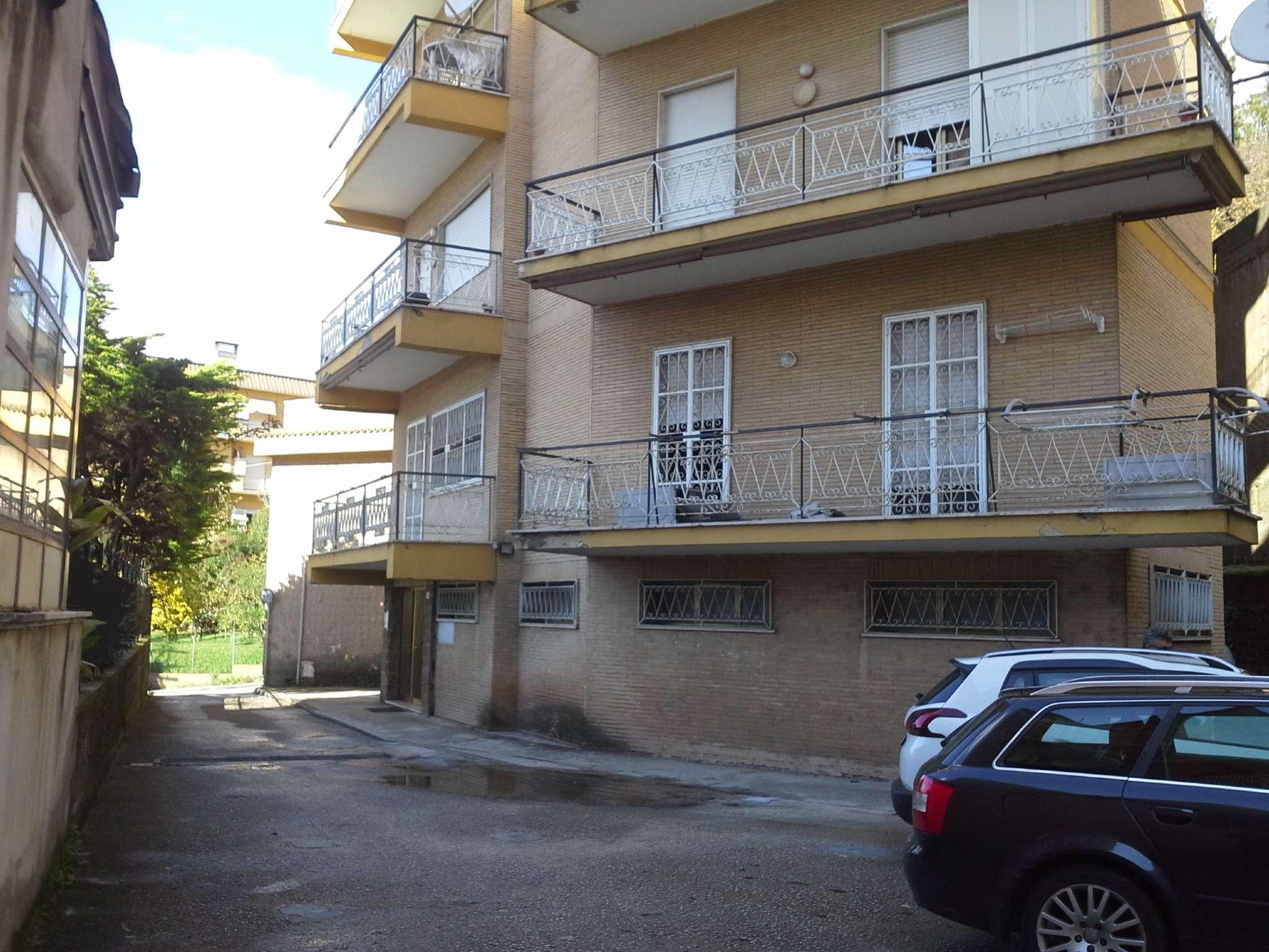 Appartamento da ristrutturare in vendita Rif. 8509416