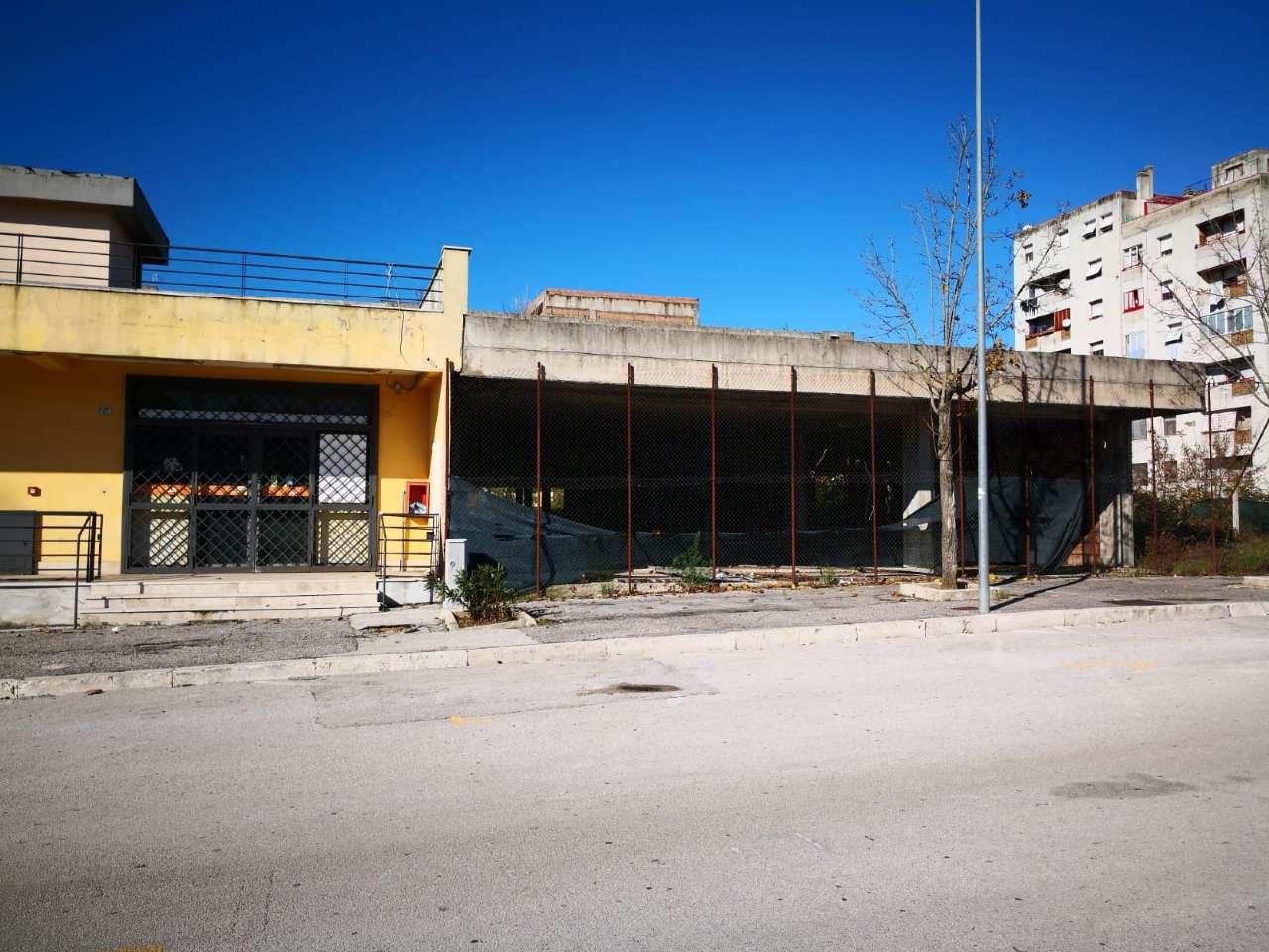 Negozio / Locale in vendita a Frosinone, 9999 locali, prezzo € 500.000 | CambioCasa.it