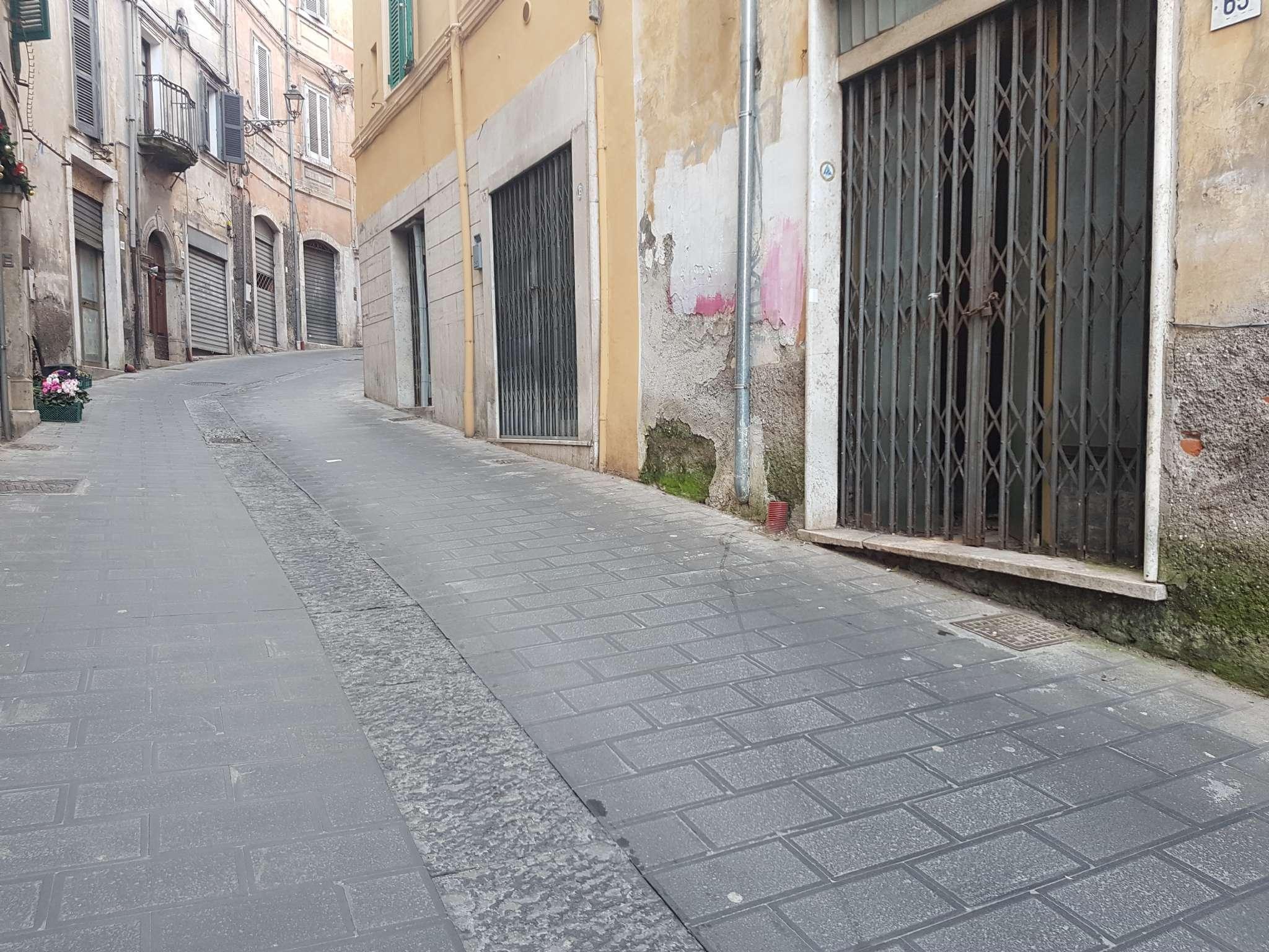 Negozio / Locale in vendita a Frosinone, 9999 locali, prezzo € 22.000 | CambioCasa.it