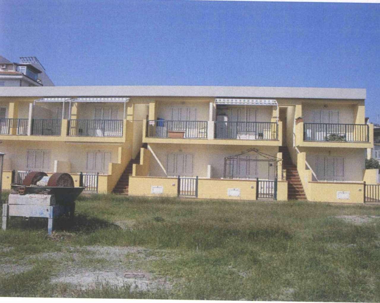 Appartamento in condizioni mediocri in vendita Rif. 9309038