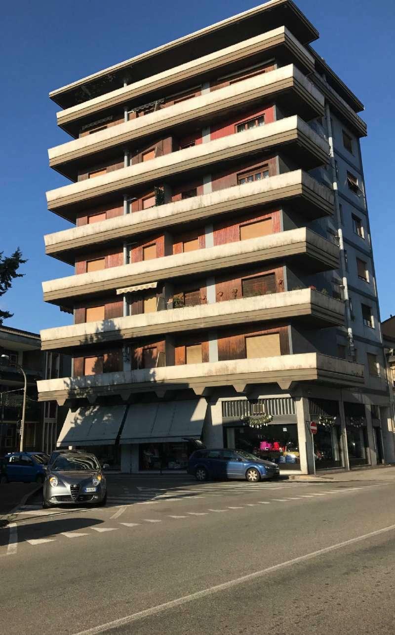 Appartamento in buone condizioni arredato in affitto Rif. 7205139