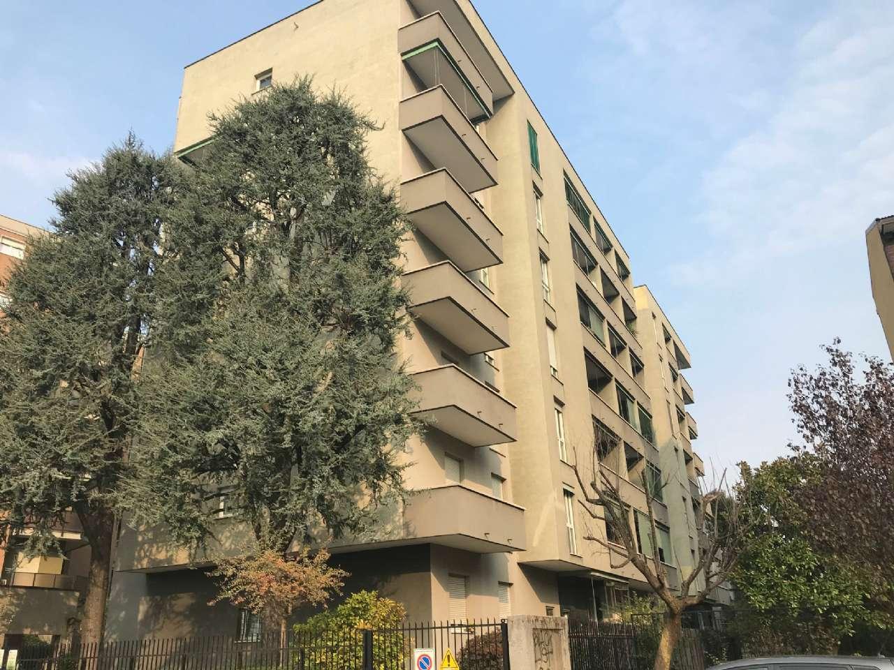 Appartamento in vendita a Bresso, 4 locali, prezzo € 198.000 | CambioCasa.it