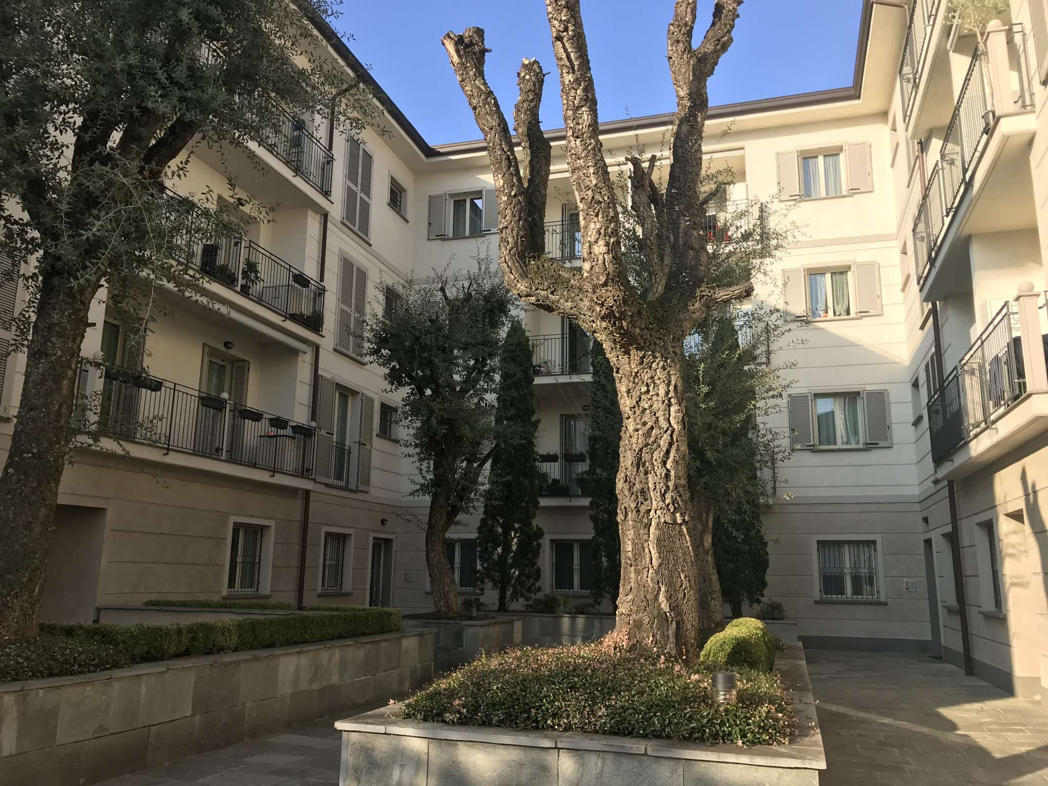 Appartamento in vendita a Cormano, 4 locali, prezzo € 360.000 | PortaleAgenzieImmobiliari.it