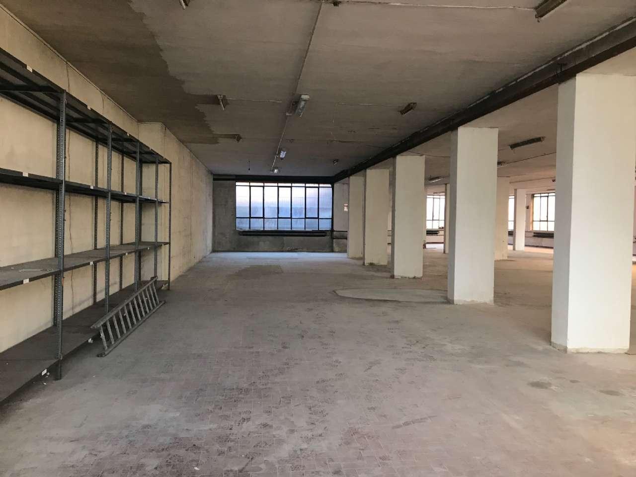 Magazzino in vendita a Cormano, 1 locali, prezzo € 190.000   PortaleAgenzieImmobiliari.it