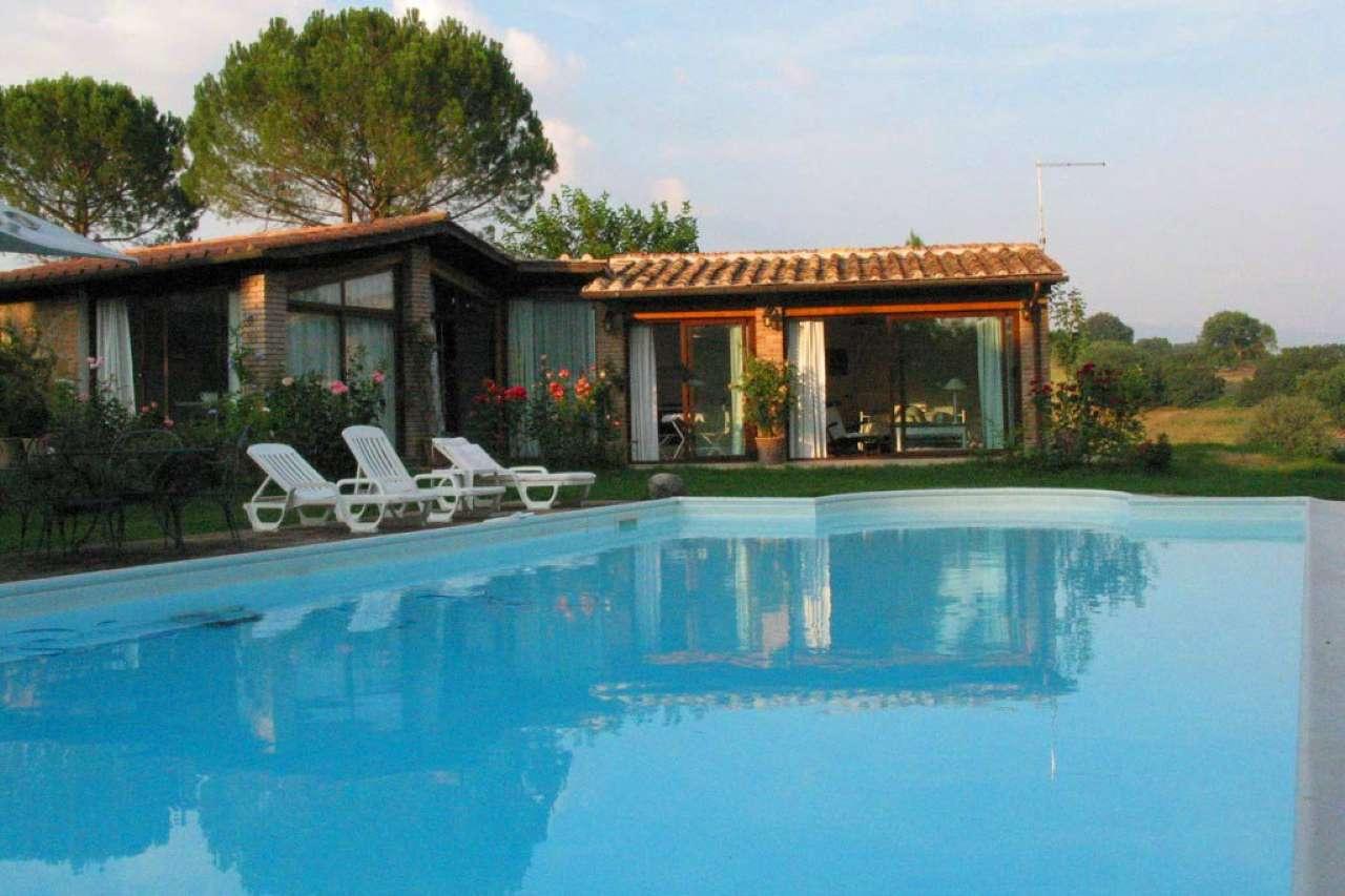Villa in vendita a Collevecchio, 18 locali, prezzo € 750.000 | CambioCasa.it