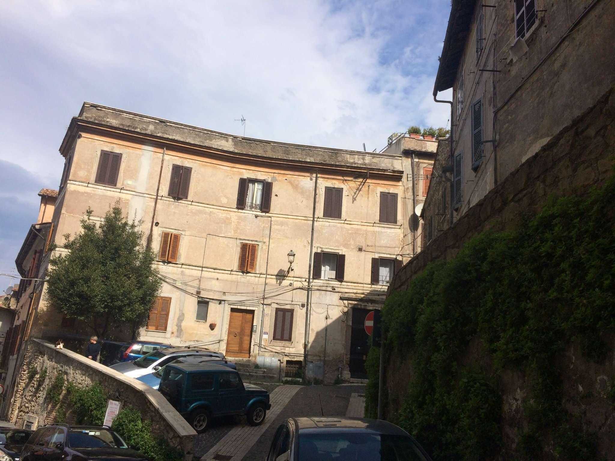 Appartamenti bilocali in affitto a tivoli for Appartamenti ammobiliati in affitto roma