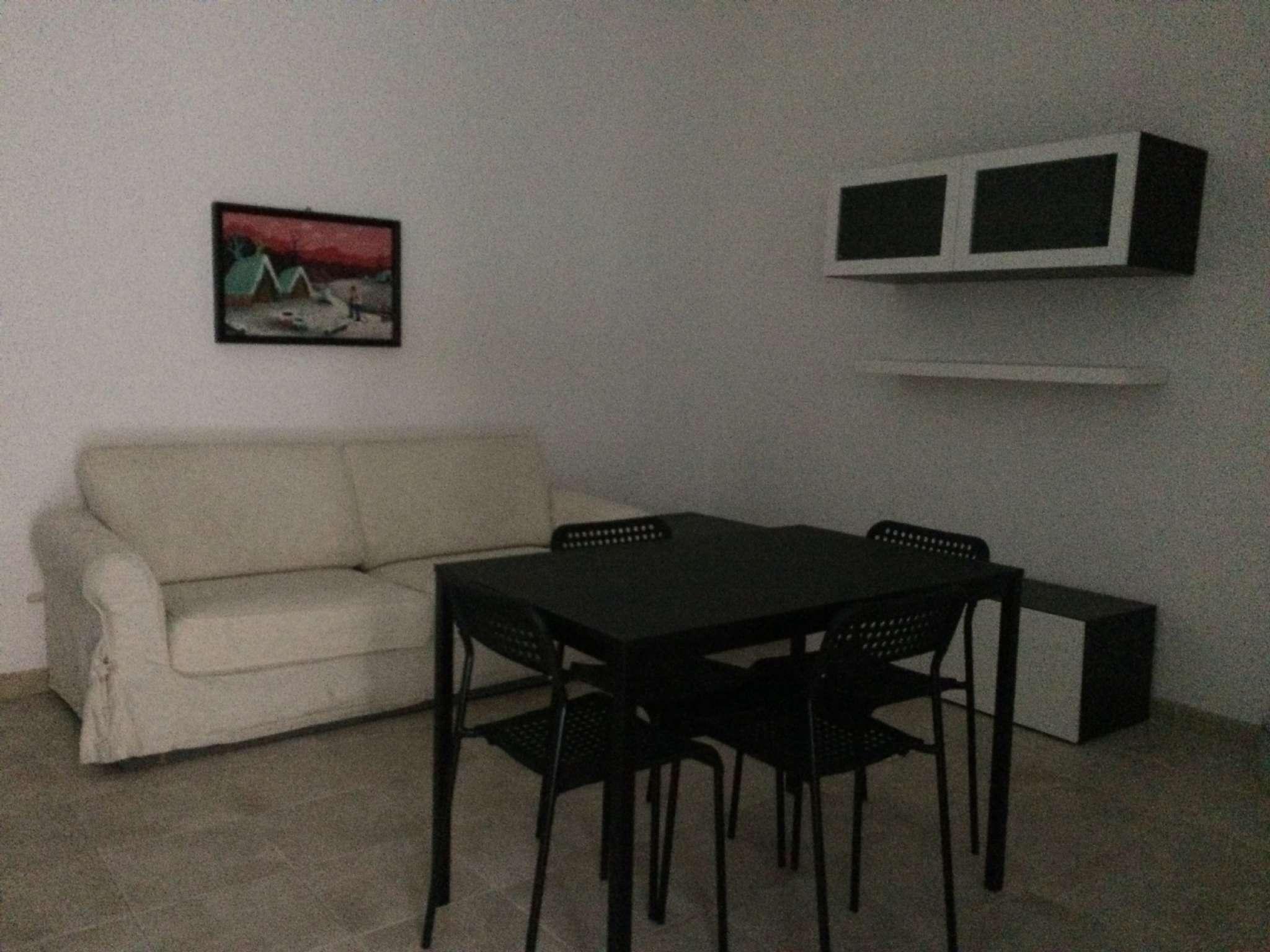 Appartamento in buone condizioni arredato in affitto Rif. 7772378