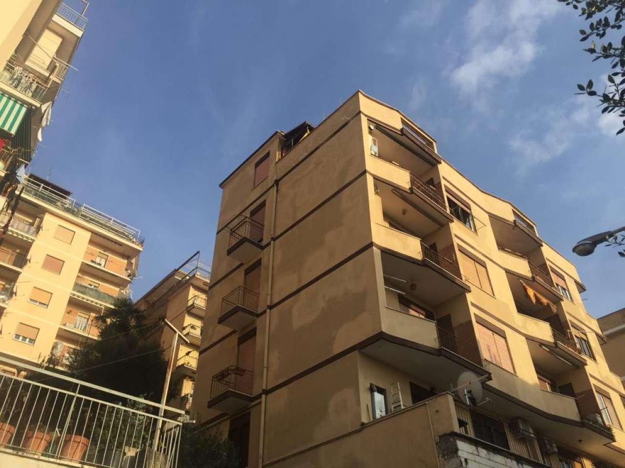 Appartamento in vendita a Tivoli, 4 locali, prezzo € 99.000 | CambioCasa.it