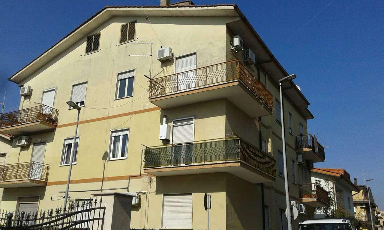 Appartamento in vendita a Guidonia Montecelio, 2 locali, prezzo € 68.000 | CambioCasa.it