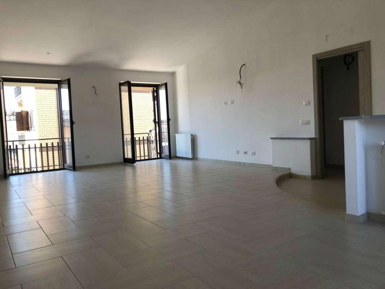 Appartamento in vendita a Guidonia Montecelio, 3 locali, prezzo € 150.000 | CambioCasa.it