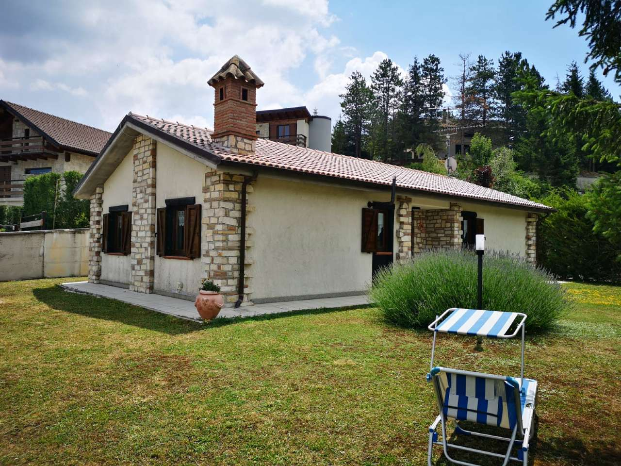 Villa in vendita a Ovindoli, 3 locali, prezzo € 300.000 | CambioCasa.it