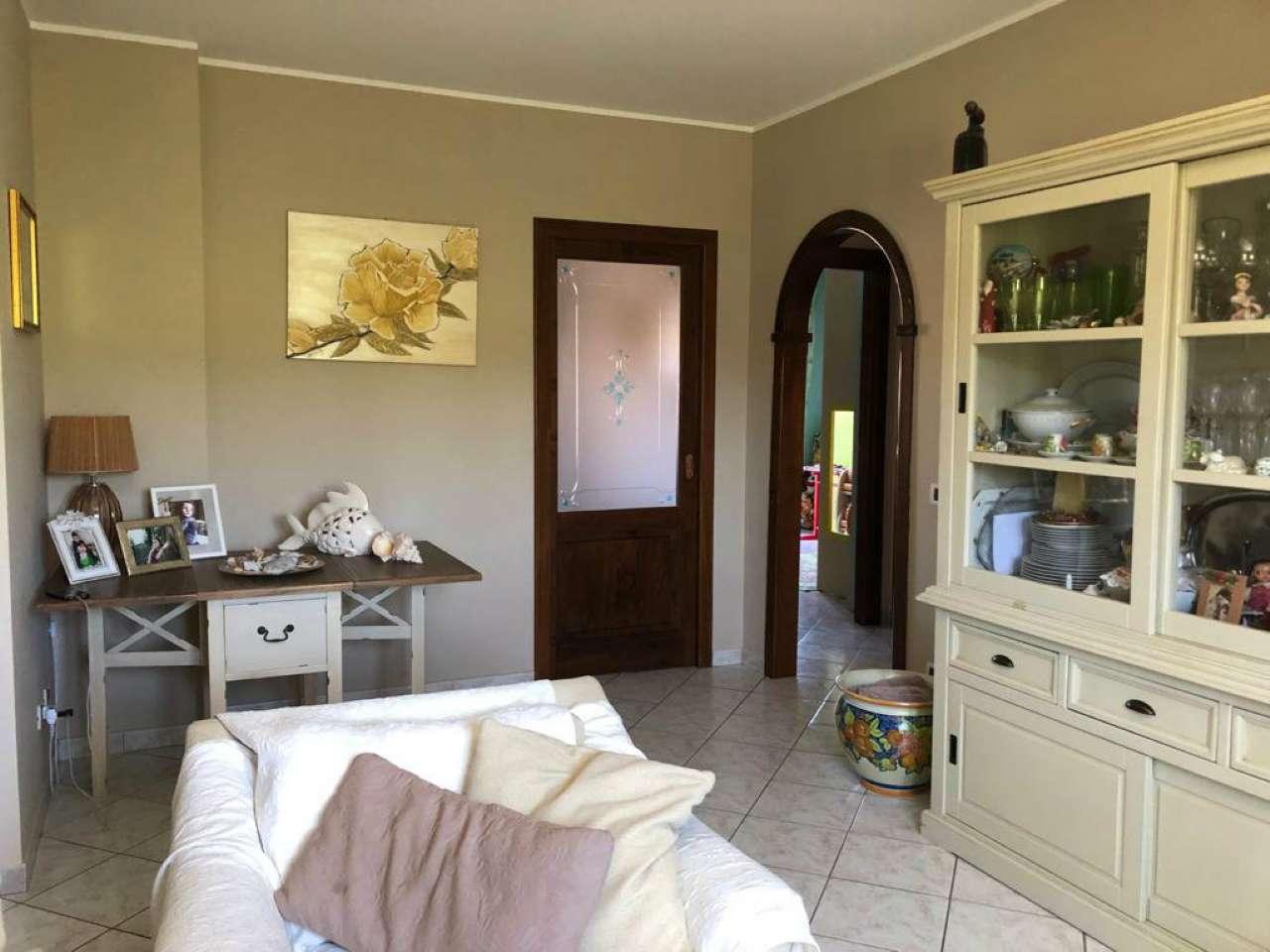 Appartamento in vendita a Guidonia Montecelio, 3 locali, prezzo € 140.000 | CambioCasa.it