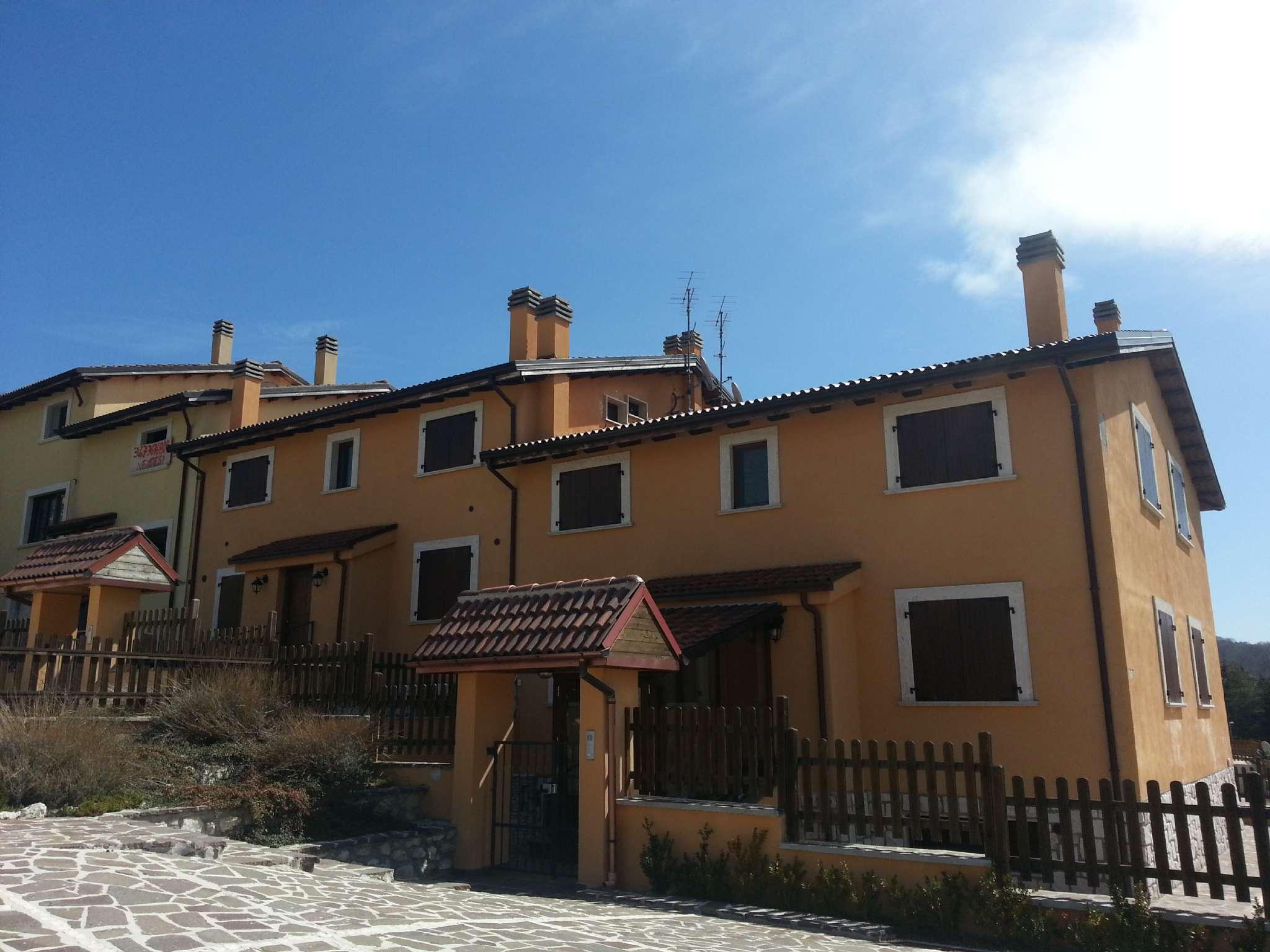 Appartamento in vendita a Rocca di Mezzo, 4 locali, prezzo € 95.000 | PortaleAgenzieImmobiliari.it