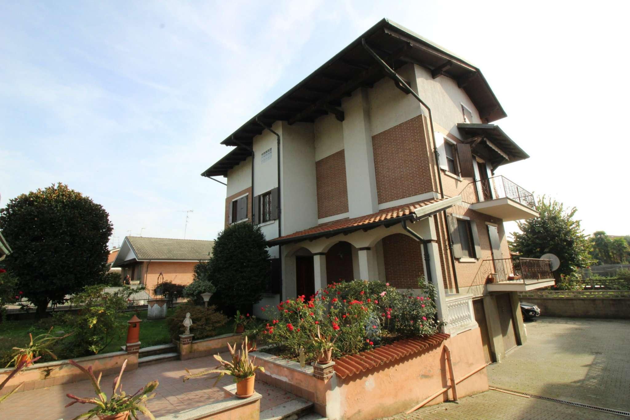 Villa Tri-Quadrifamiliare in vendita a Caresanablot, 10 locali, prezzo € 349.000 | PortaleAgenzieImmobiliari.it