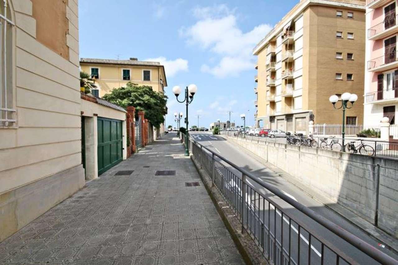 Appartamento in affitto a Chiavari, 4 locali, prezzo € 1.300 | CambioCasa.it