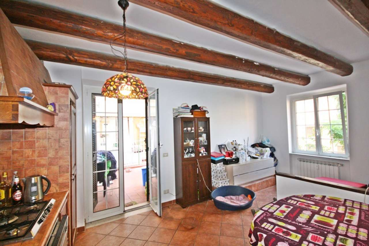 Appartamento in vendita a Chiavari, 5 locali, prezzo € 215.000 | CambioCasa.it