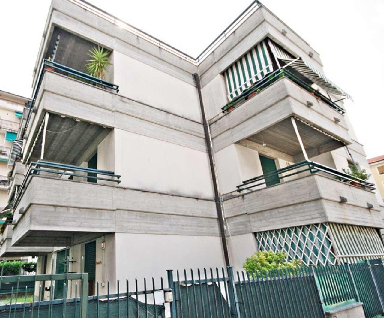 Appartamento in vendita a Chiavari, 4 locali, prezzo € 215.000 | CambioCasa.it