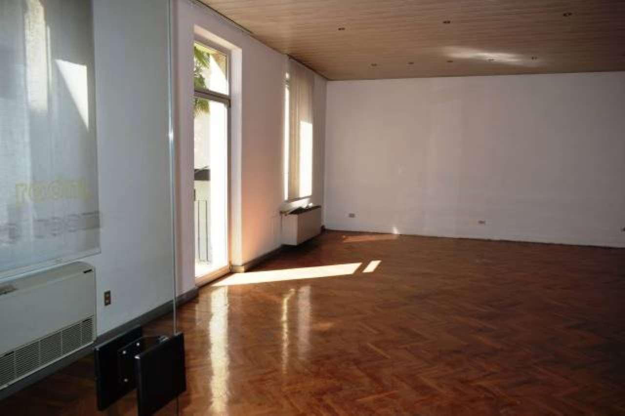 Ufficio / Studio in affitto a Verona, 5 locali, zona Zona: 1 . ZTL - Piazza Cittadella - San Zeno - Stadio, prezzo € 2.400   CambioCasa.it