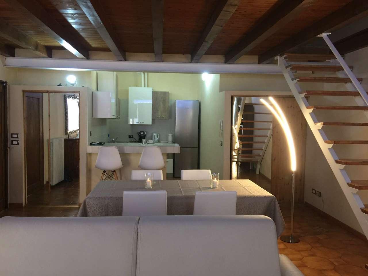 Appartamento in affitto a Verona, 2 locali, zona ZTL - Piazza Cittadella - San Zeno - Stadio, prezzo € 1.300 | PortaleAgenzieImmobiliari.it
