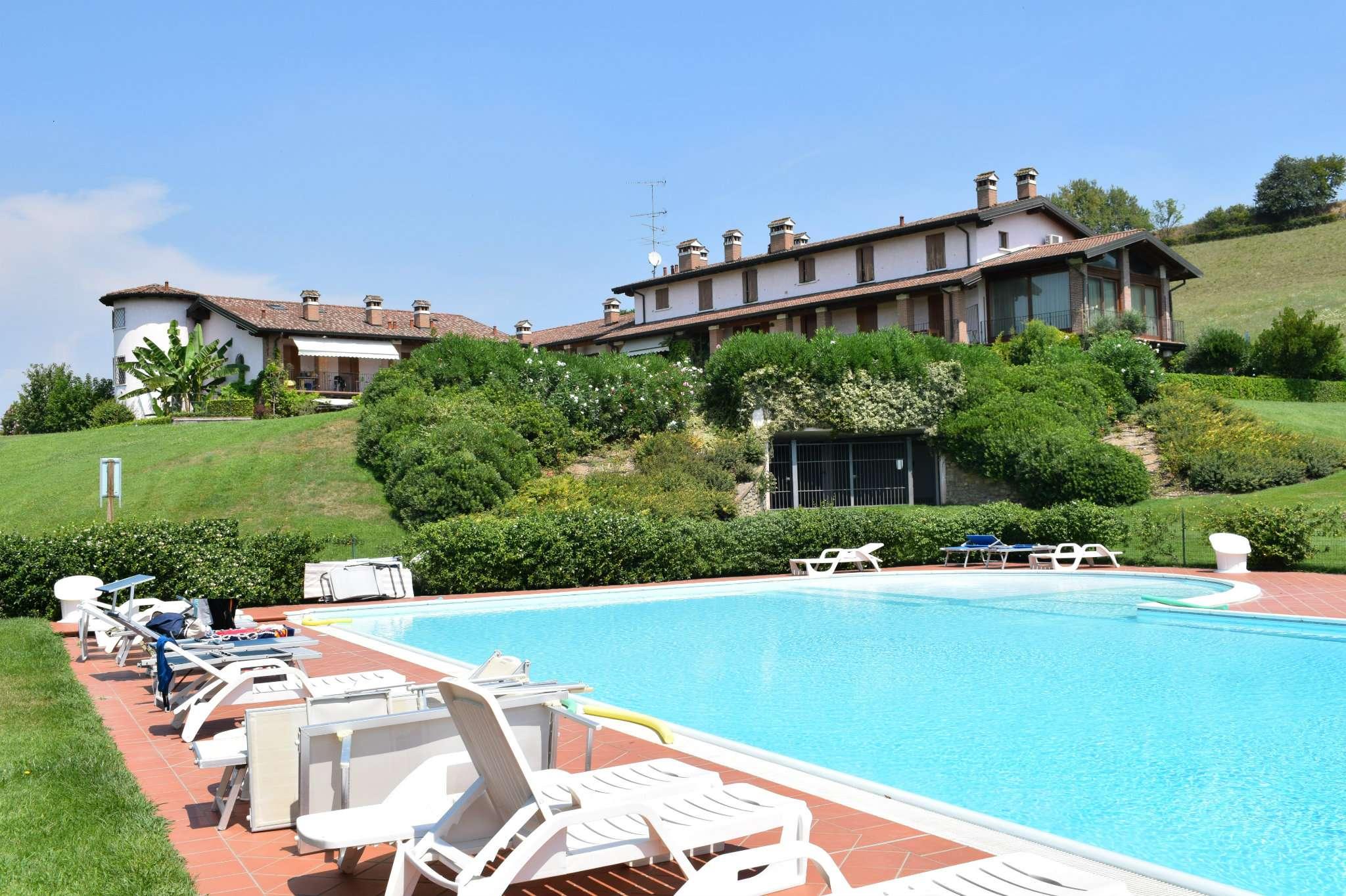 Appartamento in vendita a Lonato, 3 locali, prezzo € 300.000 | CambioCasa.it