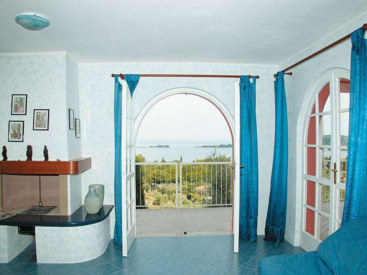 Villa in vendita a San Felice del Benaco, 11 locali, prezzo € 1.350.000 | CambioCasa.it