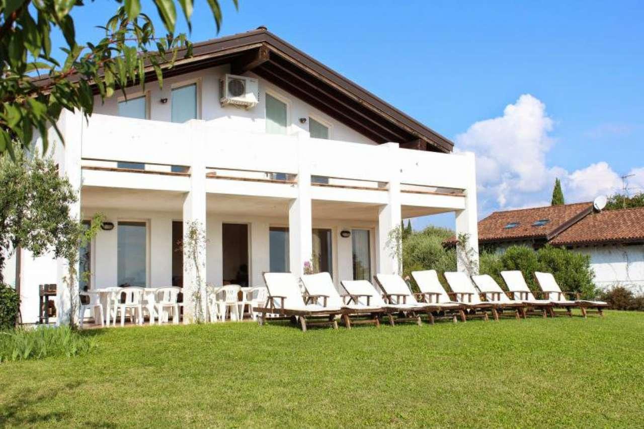 Villa in vendita a San Felice del Benaco, 7 locali, prezzo € 1.075.000 | CambioCasa.it
