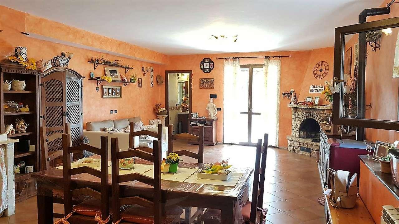 Appartamento in vendita a Roma, 6 locali, zona Zona: 27 . Aurelio - Boccea, prezzo € 250.000   CambioCasa.it