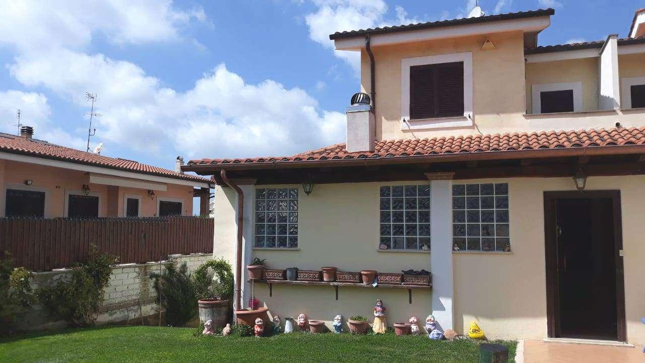 Villa Bifamiliare in vendita a Roma, 5 locali, zona Zona: 27 . Aurelio - Boccea, prezzo € 295.000 | CambioCasa.it