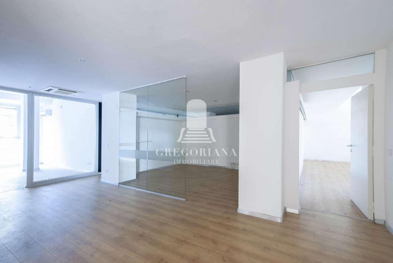 Appartamento in vendita a Roma, 14 locali, zona Zona: 32 - Fleming, Vignaclara, Monte Milvio, prezzo € 890.000 | CambioCasa.it
