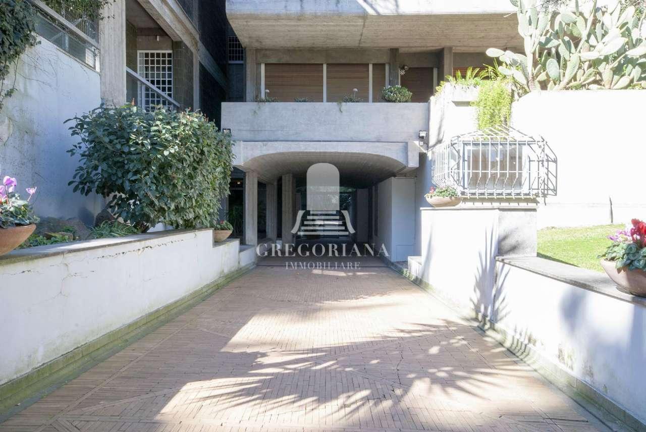 Appartamento in vendita a Roma, 14 locali, zona Zona: 32 - Fleming, Vignaclara, Monte Milvio, prezzo € 890.000   CambioCasa.it