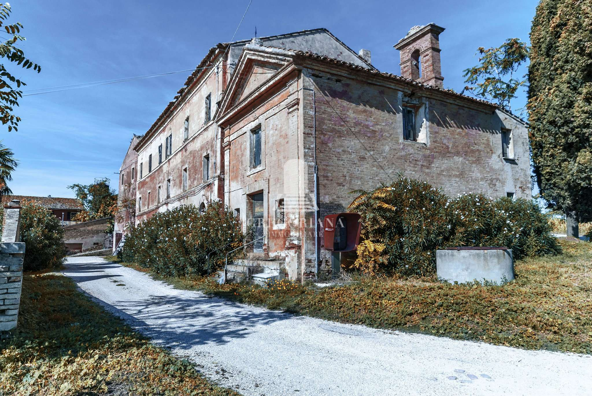 Rustico / Casale in vendita a Civitanova Marche, 10 locali, prezzo € 2.250.000   CambioCasa.it