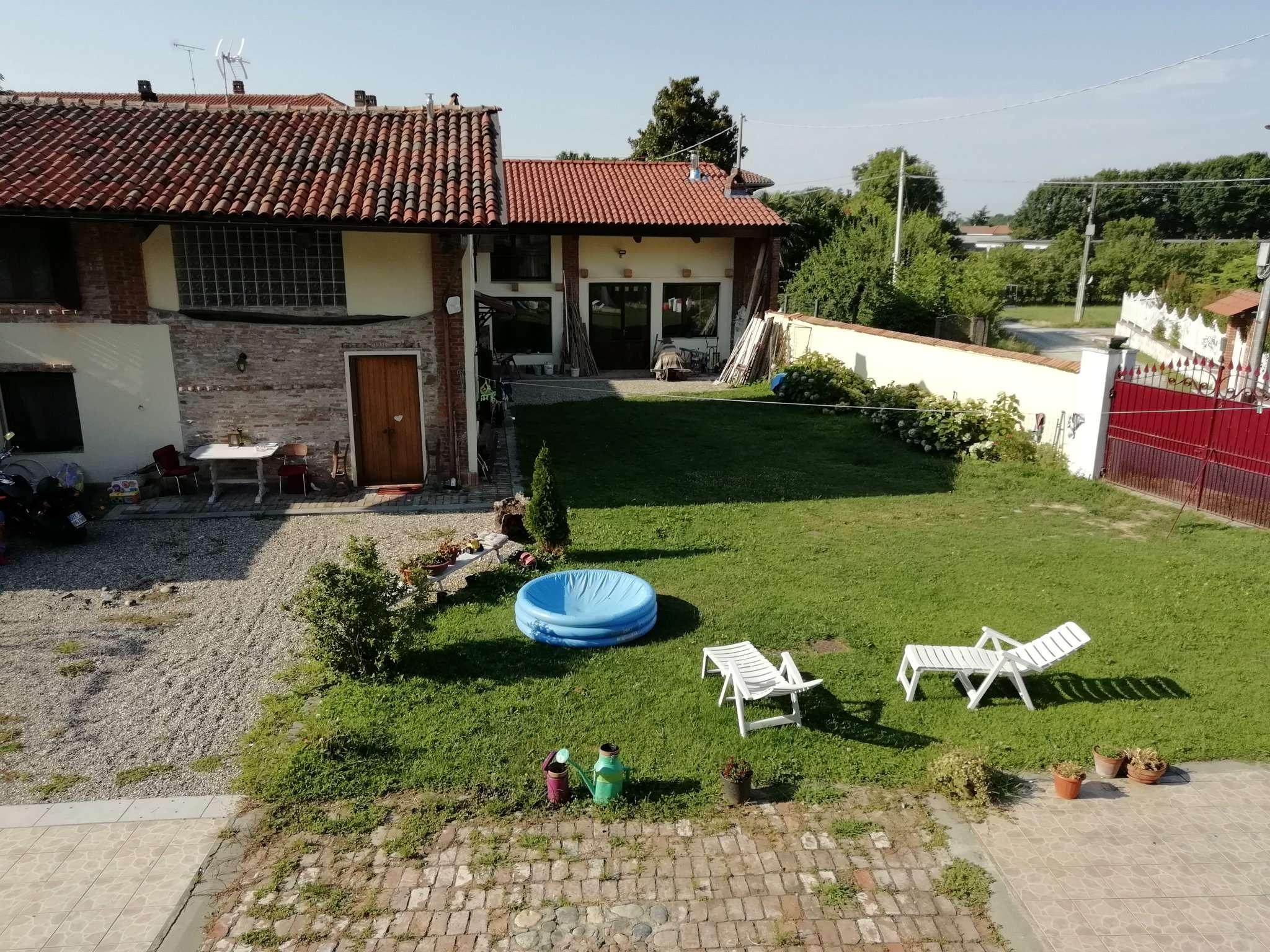Rustico / Casale in affitto a Maglione, 15 locali, prezzo € 2.500 | CambioCasa.it