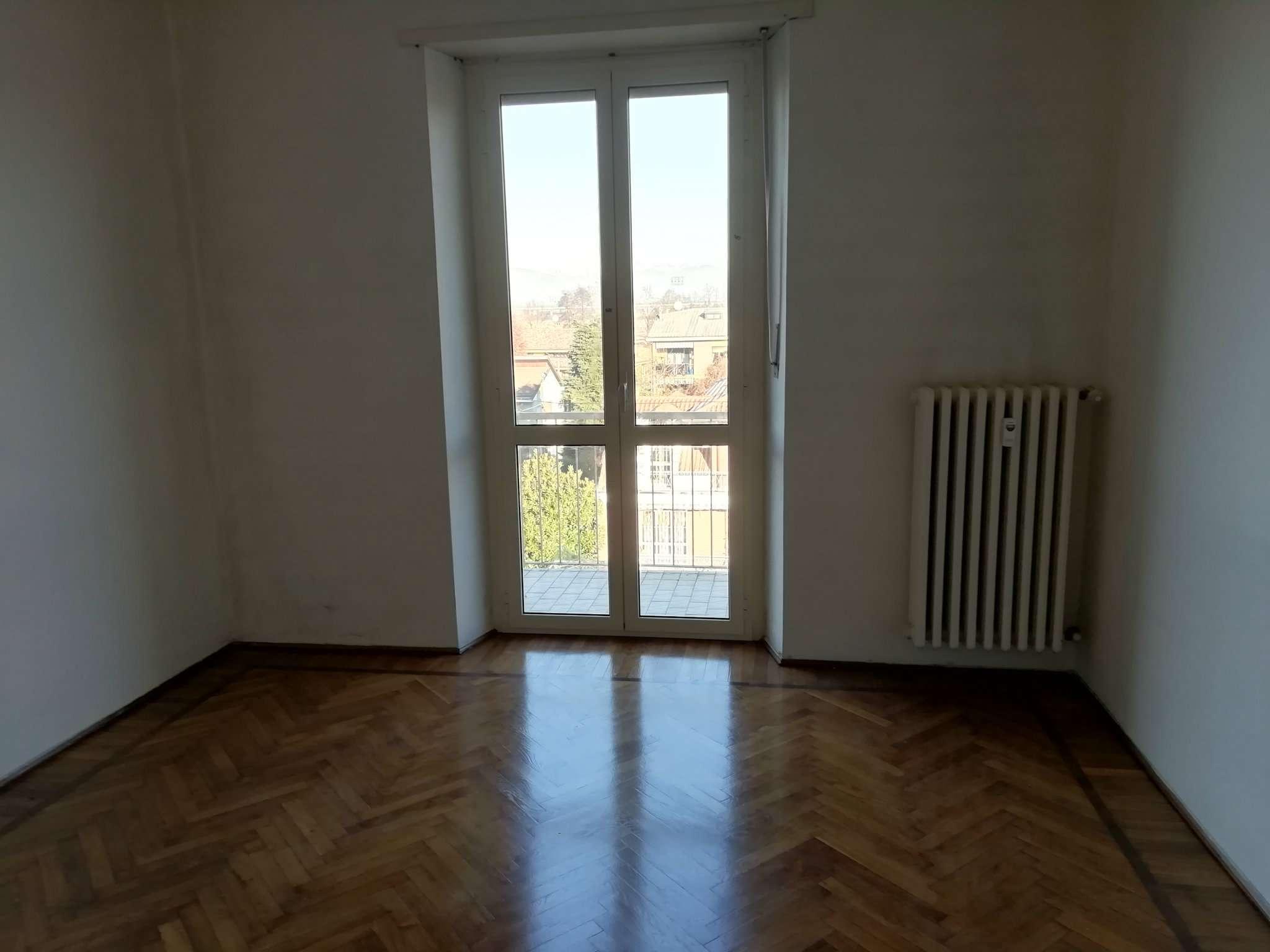 Appartamento in ottime condizioni in affitto Rif. 8806953
