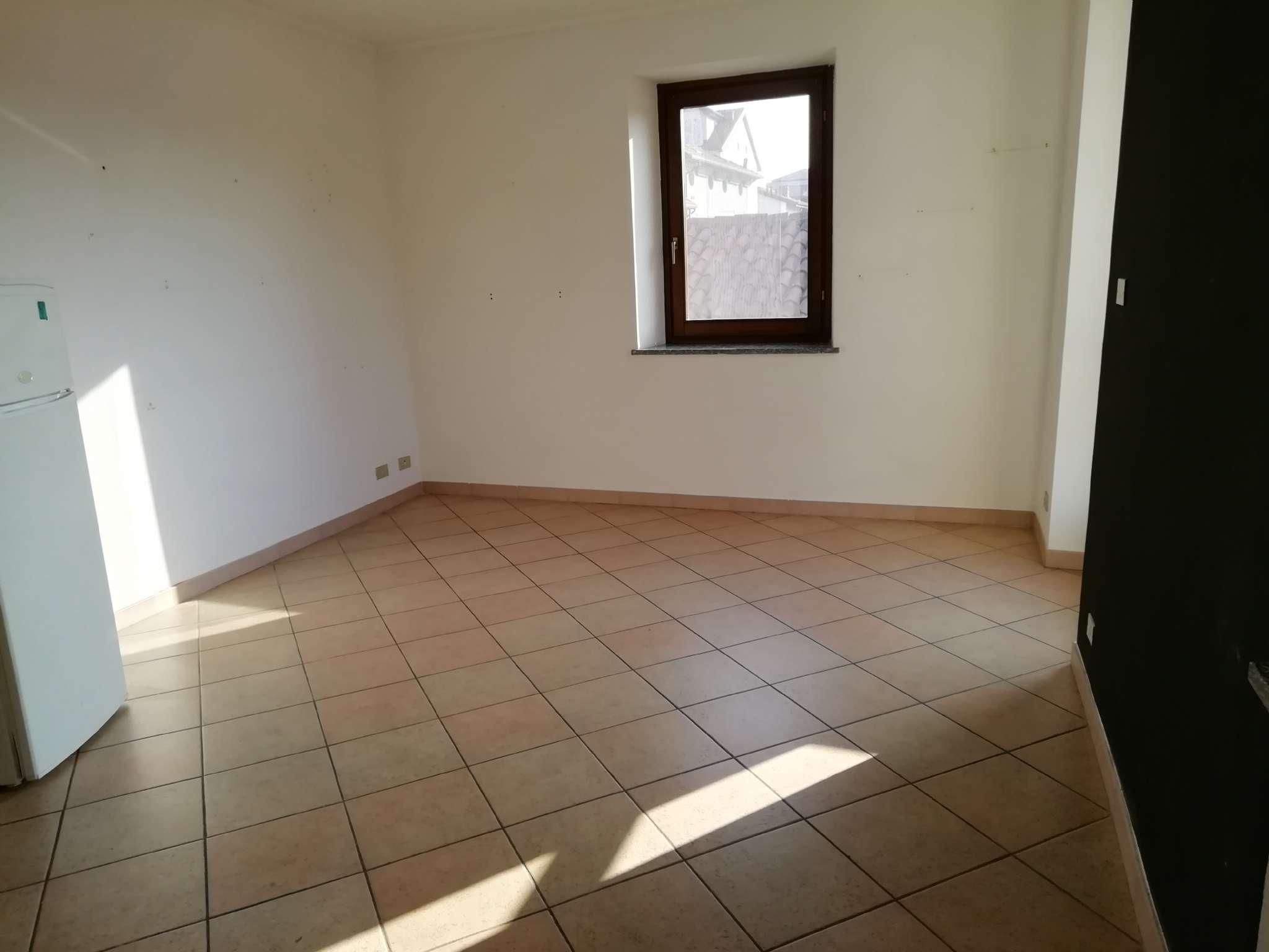 Appartamento in affitto a Chivasso, 2 locali, prezzo € 390 | PortaleAgenzieImmobiliari.it