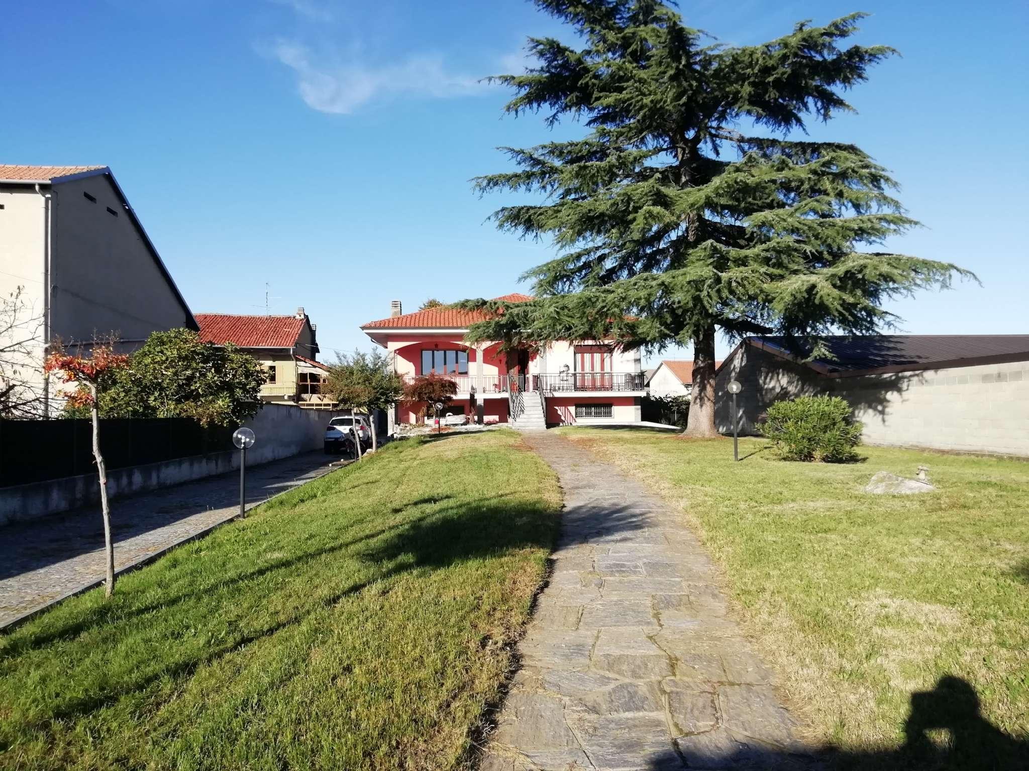 Soluzione Indipendente in vendita a Borgo d'Ale, 10 locali, prezzo € 240.000   PortaleAgenzieImmobiliari.it