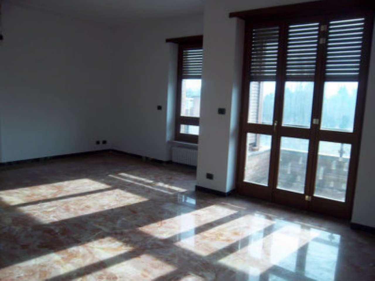 Appartamento in affitto a Chivasso, 6 locali, prezzo € 990 | PortaleAgenzieImmobiliari.it