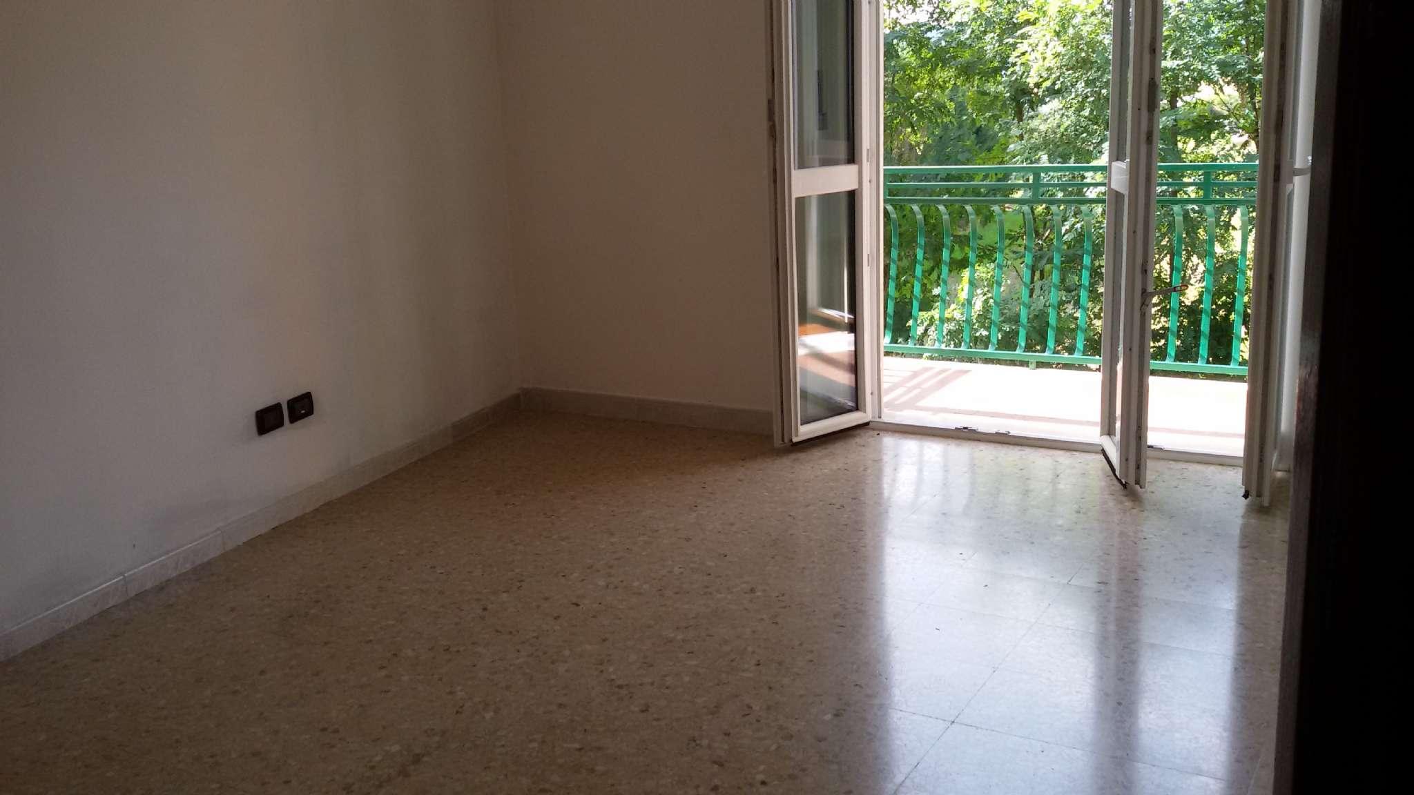 Appartamento in affitto a Chivasso, 3 locali, prezzo € 420 | PortaleAgenzieImmobiliari.it